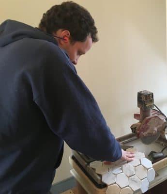 daylon-cutting-tile