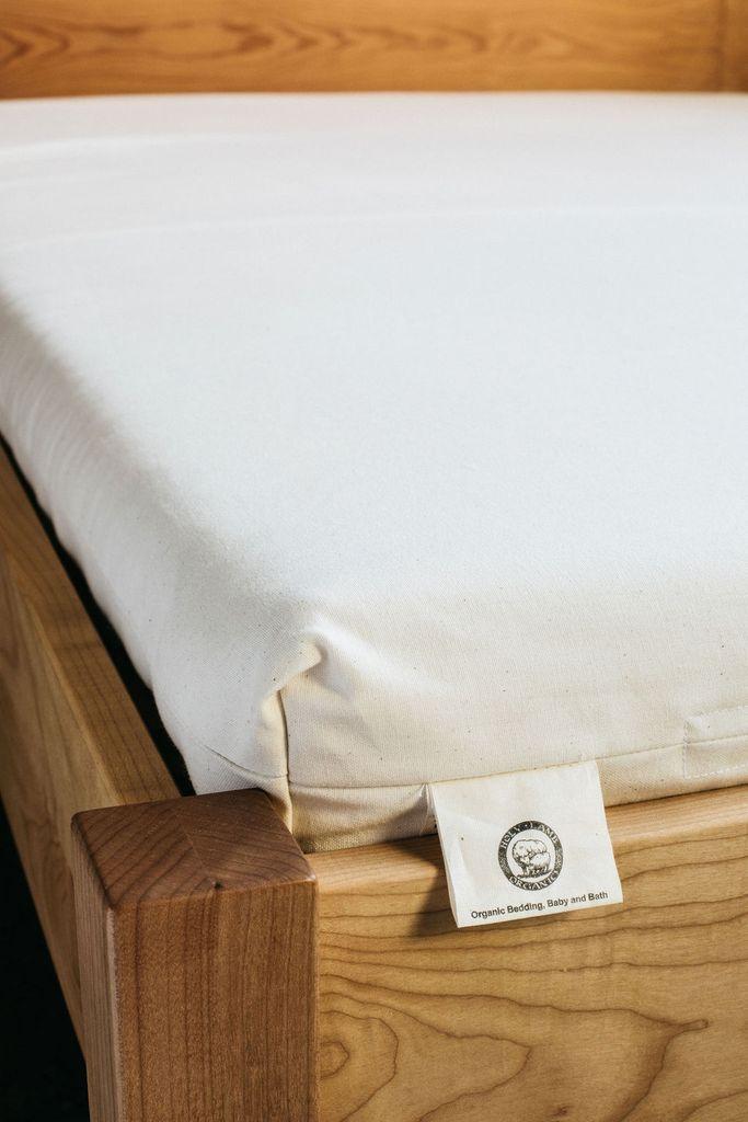 Holy Lamb Organics Wool & Latex Shikibuton gimme the good stuff