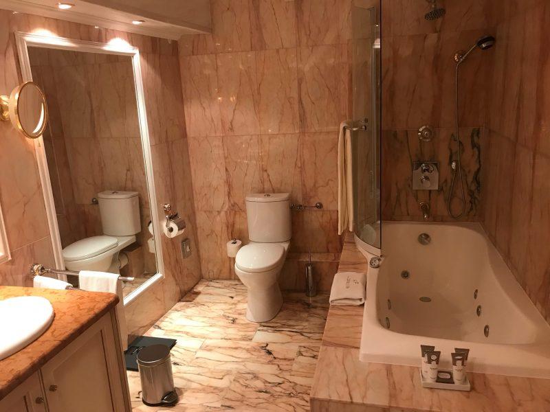 bathroom chevre d'or gimme the good stuff
